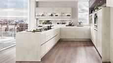 strakke keuken met eetbar keukens op maat keukenloods nl