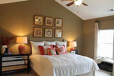 vaulted ceiling bedroom decorating 16 most fabulous vaulted ceiling decorating ideas