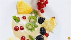 crema pasticcera con farina di cocco crema pasticcera con farina di castagne cialda al cocco e frutti rossi contest le