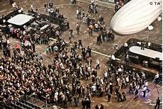 Lanxess Arena Garderobe - udo lindenberg de unterm hut