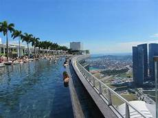 infinity pool picture of marina bay sands singapore