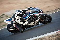 Behold The New 2017 Bmw Hp4 Race Autoevolution