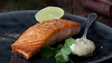 Lachs Mit Haut Braten - pan fried salmon with fresh basil mayonnaise supervalu