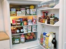 kühlschrank sauber machen k 252 hlschrank richtig einr 228 umen auf die k 228 ltezonen achten