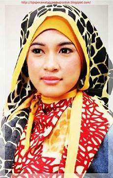 Model Jilbab Segi Empat Warna Warni