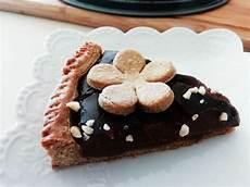 crema pasticcera al cacao amaro dolci semplici ed economici torta con frolla al burro e zucchero di cocco e crema pasticcera al