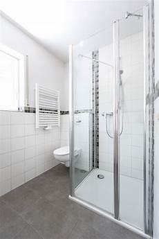 fliesen bordüre bad bad mit dusche fliesen weigelt