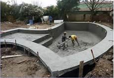 construire sa piscine pourquoi faut il construire sa piscine en hiver