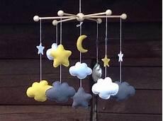 fabriquer support mobile bébé mobile cesar pour la chambre de b 233 b 233 nuages 233 toiles et
