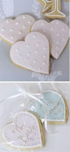 edible wedding favour ideas wedding cookies 糖霜饼干