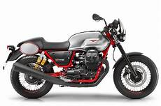 moto guzzi v7 iii 2017 moto guzzi v7 iii motorcycles look 10 fast facts
