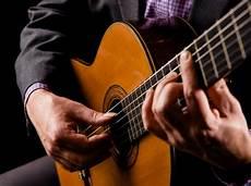 classical guitar players 4 essential flamenco guitar lessons national guitar academy