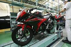 Modifikasi Cbr150r 2018 by Warna Baru Honda Cbr150r 2018 Rpmsuper