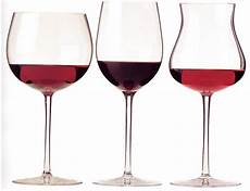 bicchieri rosso wine glass a cannonade of