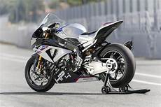 2017 Bmw Hp4 Race Static Rear 3 4 View Two Wheels 2017