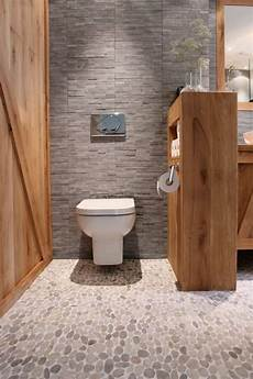 revetement salle de bain leroy merlin le carrelage galet pratique rev 234 tement pour la salle de