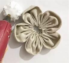 fiori in tessuto tutorial come fare i fiori di stoffa shabby tutorial nellessenziale