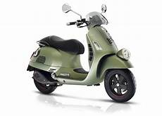 modern vespa sei giorni new generation of 50 s iconic