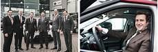 Jaguar Bringt Den Ersten Suv Aus Eigenem Hause An Den Start