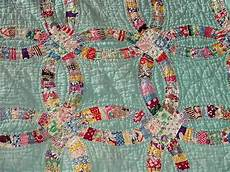 most popular amish quilt patterns the double wedding ring pattern is a 20th century pattern