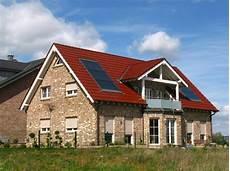 ganzjaehrig solare waerme im solaranlage zur heizungsunterst 252 tzung solar solarw 228 rme
