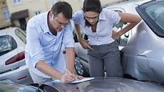 Comment Choisir Entre Une Assurance Auto Tous Risques Ou