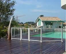 barriere protection piscine transparente cl 244 ture piscine aluminium et remplissage verre feuillet 233
