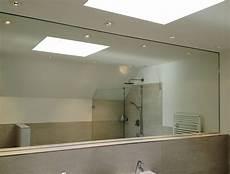 spiegel f 252 r badezimmer begehbare wandschr 228 nke in rahmen