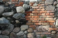 Gartenmauer Feldnsteine Alte Ziegel 3 Antique
