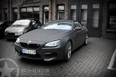 auto matt schwarz bmw m6 cabriolet in schwarz matt und carbon nato oliv