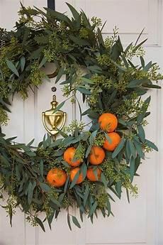 wohnung toskanische urlaubs olivenzweige und weihnachtsdekoration wohnung