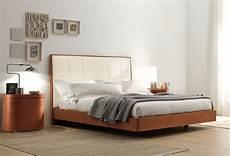 lit avec sommier 180x200 plaza