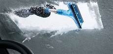 photo de cing car 14 hacks to deal with snow and on your car