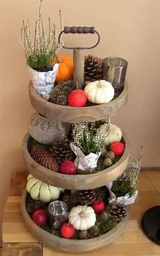wie dekoriere ich autumn tiered tray display herbstdeko tiered tray