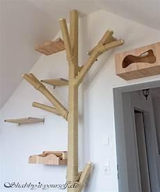 catwalk selber bauen katzen kratzbaum kletterwand 15 selbstgebauter kratzbaum kletterwand und katzen wand