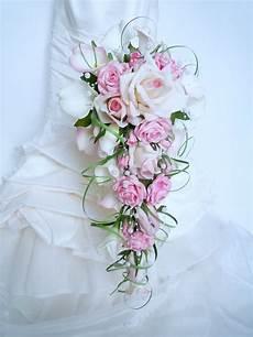 Bouquet De Mari 233 E Cascade Blanc Calla Arum