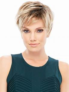8 chic short haircuts for thin hair