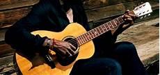 comment jouer de la guitare comment jouer rapidement de la guitare superprof