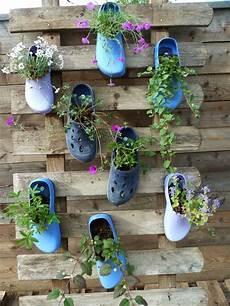 diy ideen garten garden diy upcycling shoe flower pots bl 252 hende schuhe