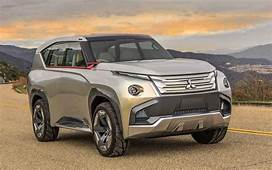 2018 Mitsubishi Pajero  HD Wallpapers Car Release Preview