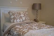 streich ideen schlafzimmer tapeten mehr 12 ideen zur wandgestaltung im schlafzimmer