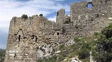 aguilar les ruines d un ch 226 teau du pays cathare