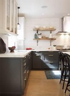 cuisine deux couleurs cuisine avec des meubles en deux couleurs d 195 169 cor gray