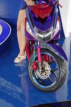 Mio M3 Modif Stiker by Modifikasi Yamaha Mio M3 125 Tema Chrome Ringpiston
