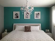 Teal Gray And White Bedroom Ideas by Teal Bedroom Ideas A Simple Teal Wall Really Pops In A