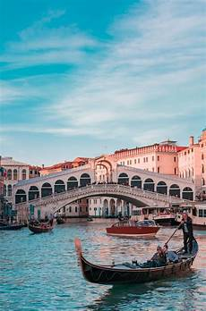 Venice Wallpaper Vertical