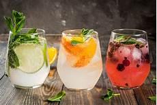 10 drinks com gin para refrescar os dias quentes mdemulher