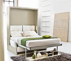 bett im wohnzimmer schrankwand mit klappbett wohnideen f 252 r praktische wandbetten klappbetten murphy bett ikea