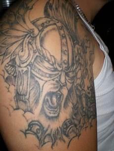 tatouage viking avant bras 57626 64 tatouages vikings avec des symboles nordiques