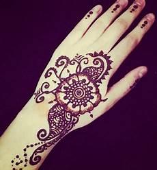 Gambar Terbaru Henna Tangan Cantik Mudah Simple